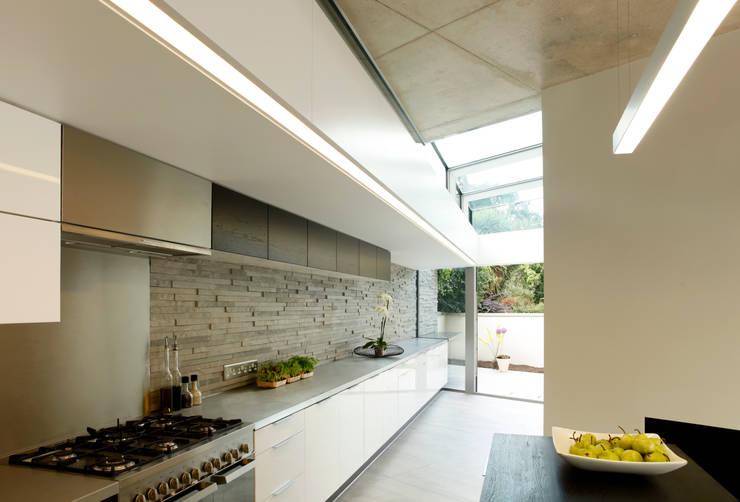 Huron Road, London: modern Kitchen by Volume 3