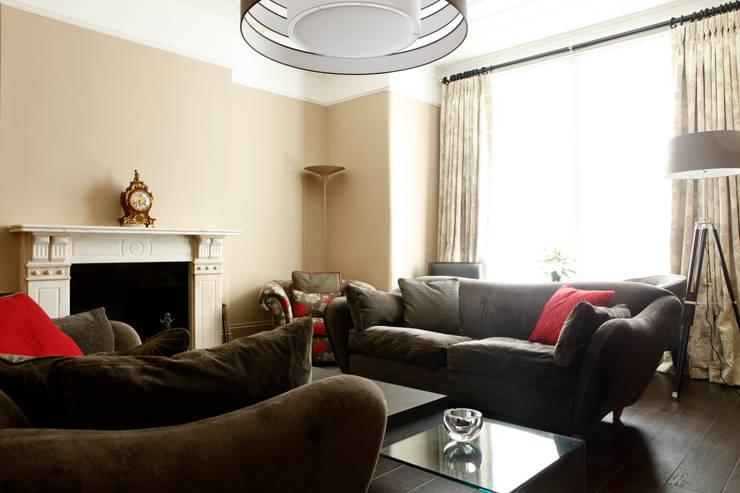 Huron Road, London: modern Bedroom by Volume 3
