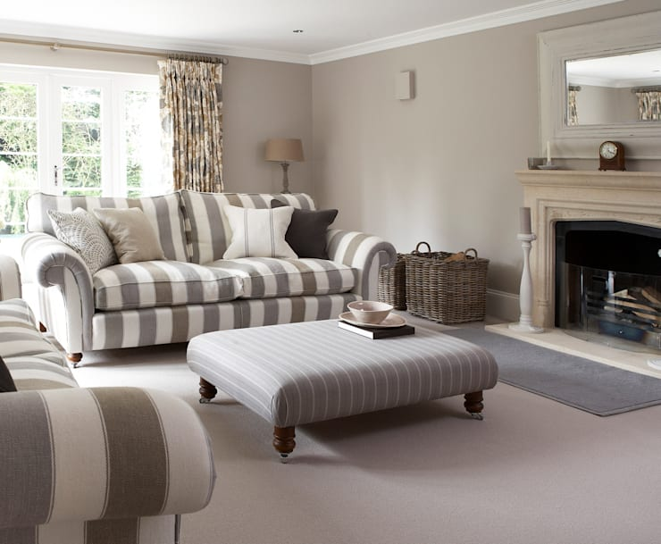 A House On The River: country Living room by Emma & Eve Interior Design Ltd