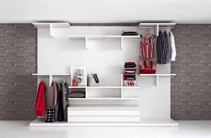 Projekty,  Garderoba zaprojektowane przez Livarea