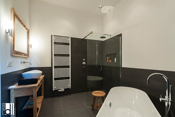 Bathroom by Studio D11