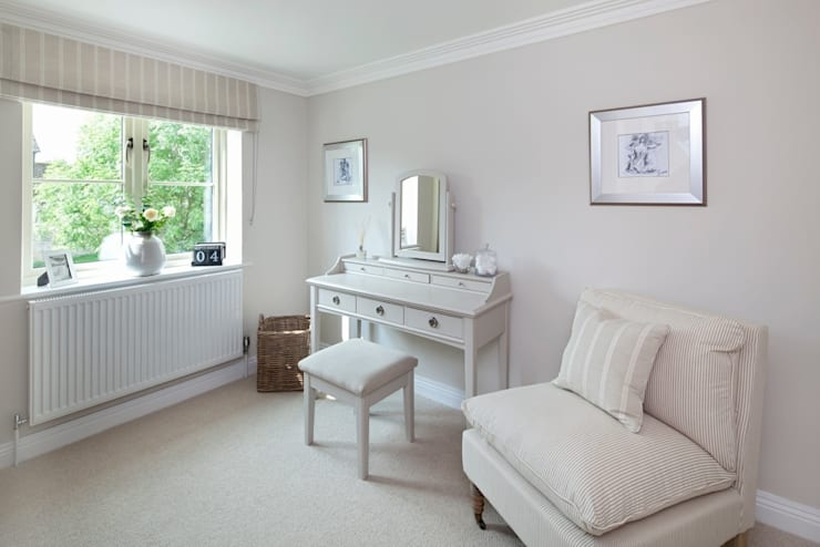 Dressing room by Emma & Eve Interior Design Ltd, Country