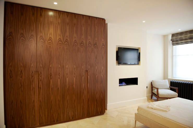 Coleherne Court SW10: classic Bedroom by CasaNora