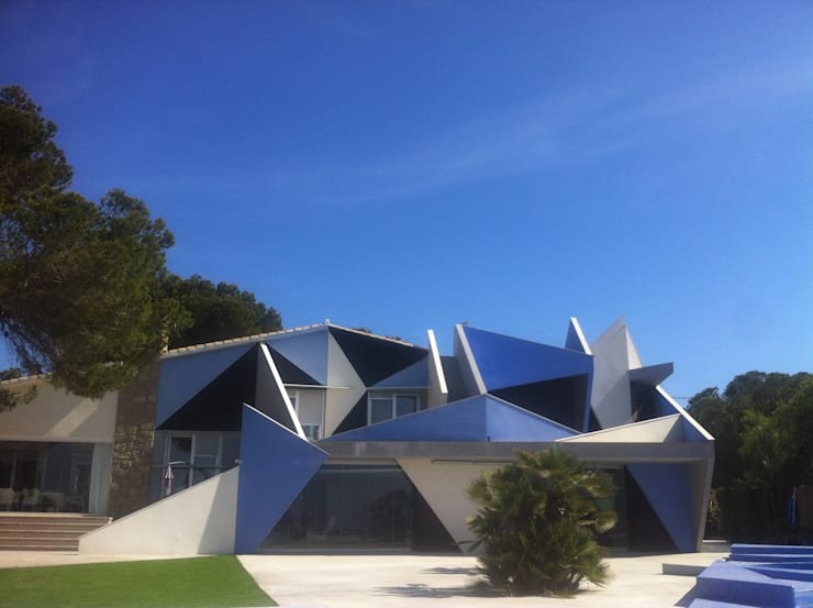 PROYECTO 4: Casas de estilo minimalista de LOWDECOR