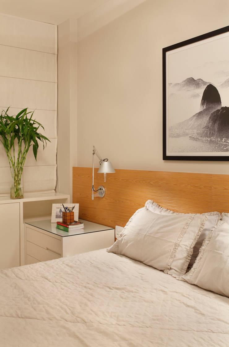 Apartamento: Quartos  por Bel Castro Arquitetos