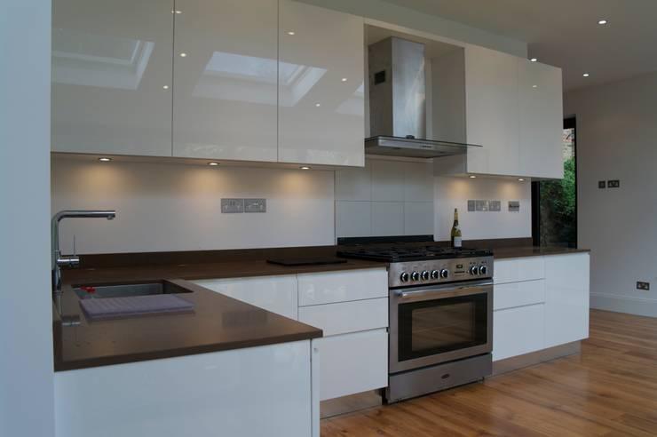 Kitchen - Ealing  13:  Kitchen by CasaNora, Modern