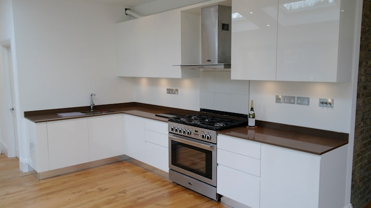 Kitchen—Ealing  13:  Kitchen by CasaNora, Modern