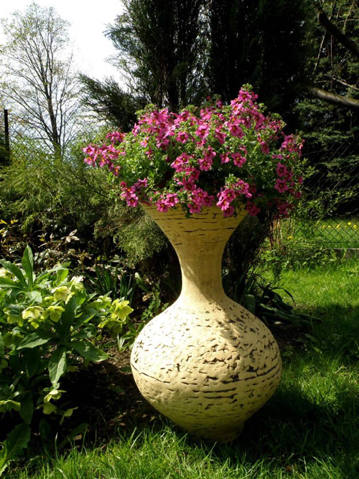 Dzban: styl , w kategorii Ogród zaprojektowany przez Pracownia Ceramiki Artystycznaj