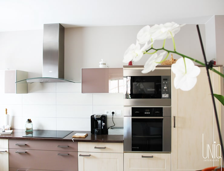 Cucina in stile in stile Moderno di Uniq intérieurs