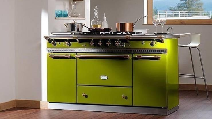 Lacance Fontenay verde oliva: Cocina de estilo  de Gamahogar