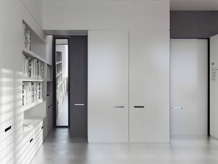 Loft L 01: Bureau de style de style Moderne par 2&1