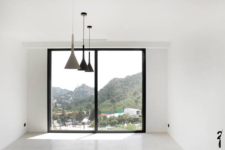 Villas R05: Salle à manger de style  par 2&1