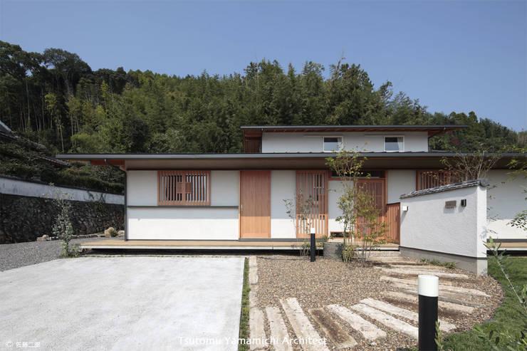 紡ぐ家 ~3世代の住まい~: 山道勉建築が手掛けた家です。