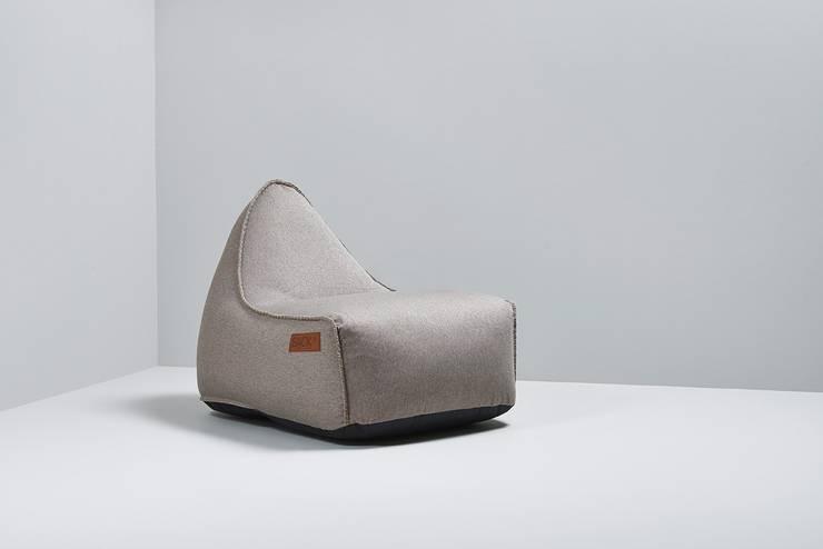 Living room by Pufa Design