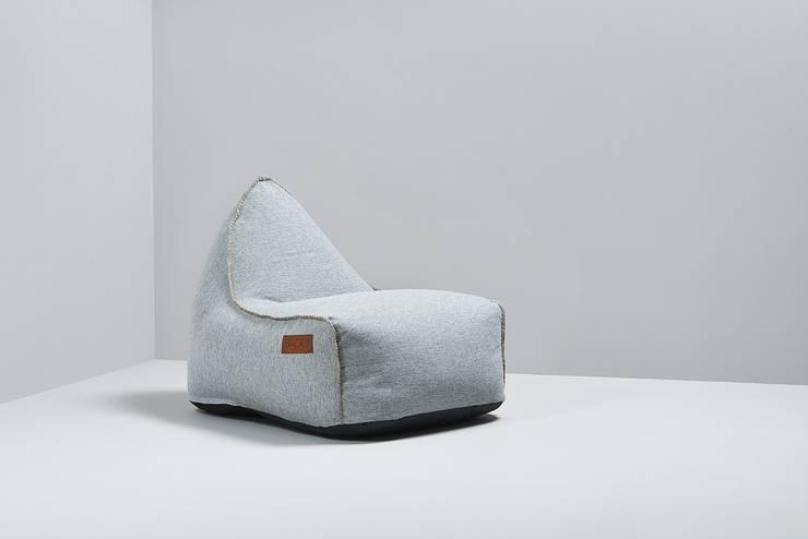Siedzisko RETROit Cobana: styl , w kategorii Salon zaprojektowany przez Pufa Design