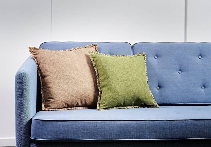 Poduchy CUSHIONit: styl , w kategorii Salon zaprojektowany przez Pufa Design