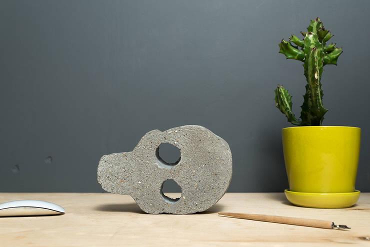 Ciężki Czerep: styl , w kategorii Domowe biuro i gabinet zaprojektowany przez Chrust