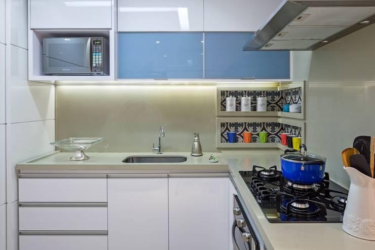 Cozinha: Cozinhas  por Arina Araujo Arquitetura e Interiores