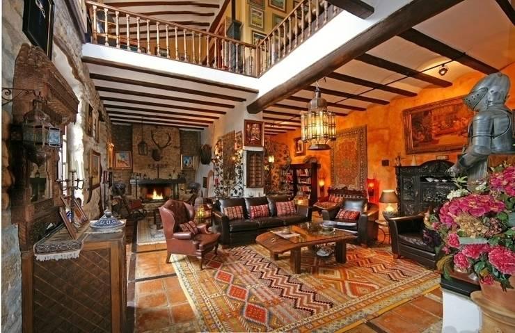 Salas de estilo  por Karma Properties