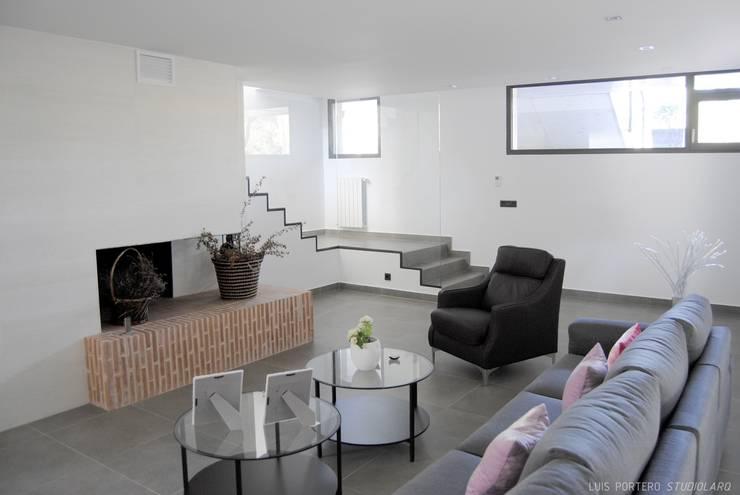 Projekty, nowoczesne Domy zaprojektowane przez STUDIOLARQ