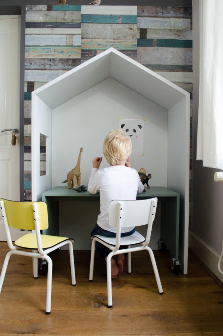 Bureautje bedhuisje:  Kinderkamer door Boefjesfabriek