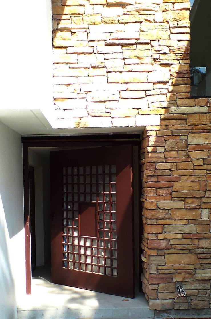 Casa Pedrregal : Casas de estilo  por Visual Concept / Arquitectura y diseño