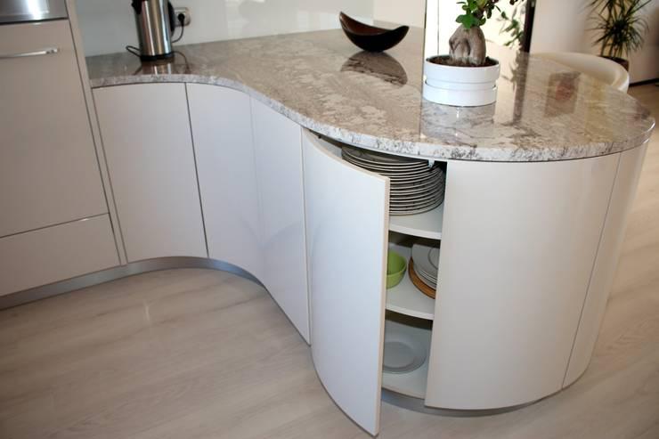 Rondo:  Küche von wohn & küchenwerkstatt robert greil