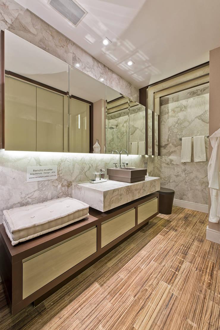 Loft de 30m²: Banheiros modernos por Riskalla & Mueller Arquitetura e Interiores