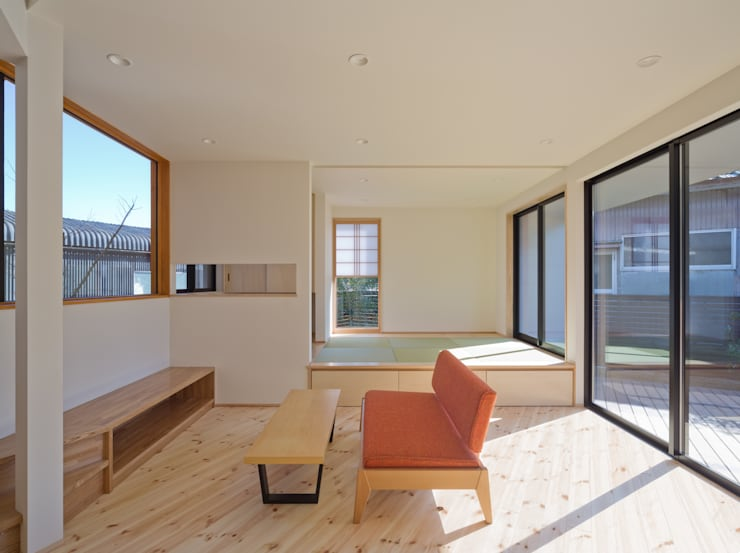 Salas de estilo  por 株式会社プラスディー設計室, Ecléctico