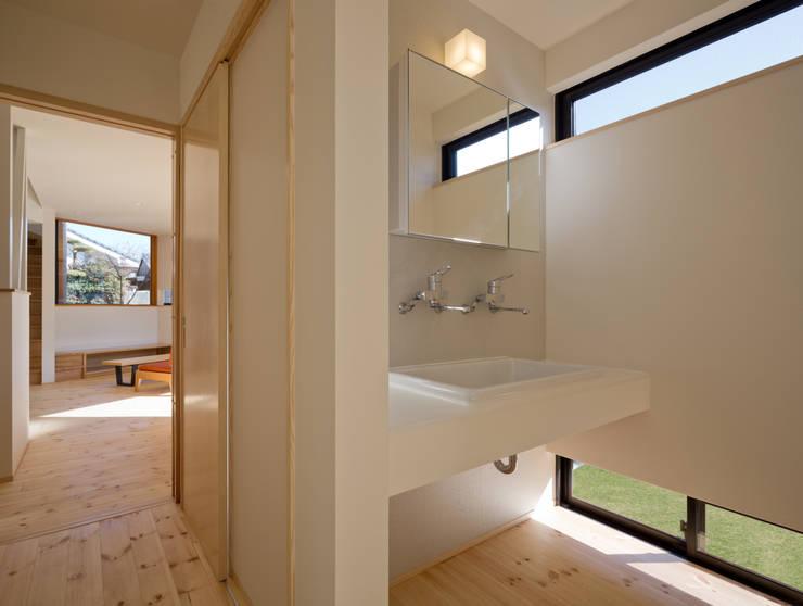 Baños de estilo  por 株式会社プラスディー設計室, Ecléctico