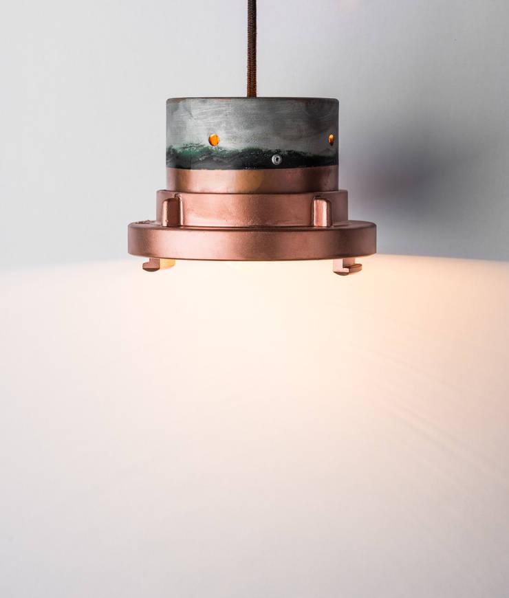 OT 02: styl , w kategorii Salon zaprojektowany przez Firelamps,