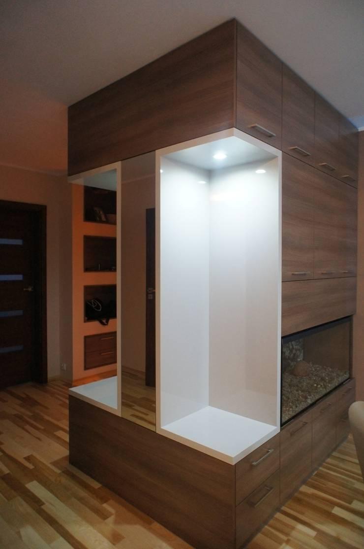 Mieszkanie, Białstok, Wygoda: styl , w kategorii Korytarz, przedpokój zaprojektowany przez Anna Wrona,