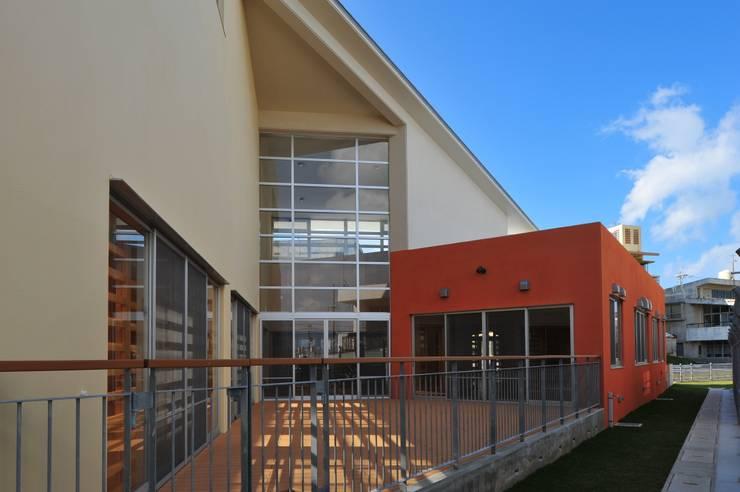 テラス: 株式会社STN建築工房が手掛けた学校です。