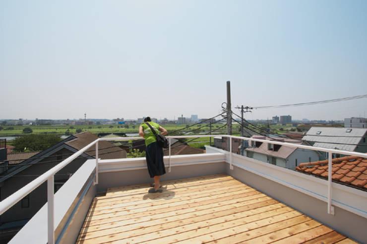 世田谷区O邸: 株式会社STN建築工房が手掛けたテラス・ベランダです。