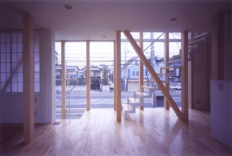 階段の家: 有限会社古里設計一級建築士事務所が手掛けたダイニングです。