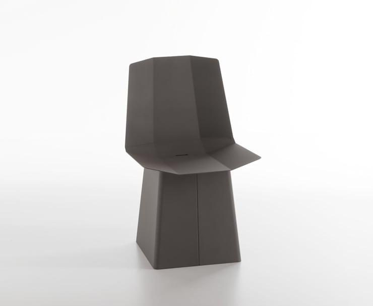Linito Chair -  quartz grey: Yu Ito Designが手掛けたバルコニー&ベランダ&テラスです。