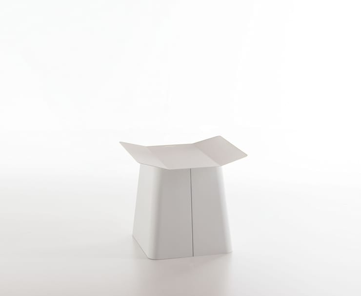 Linito Stool -  white: Yu Ito Designが手掛けたバルコニー&ベランダ&テラスです。