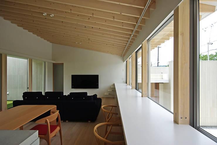 LDK: 株式会社 空間建築-傳が手掛けたリビングです。