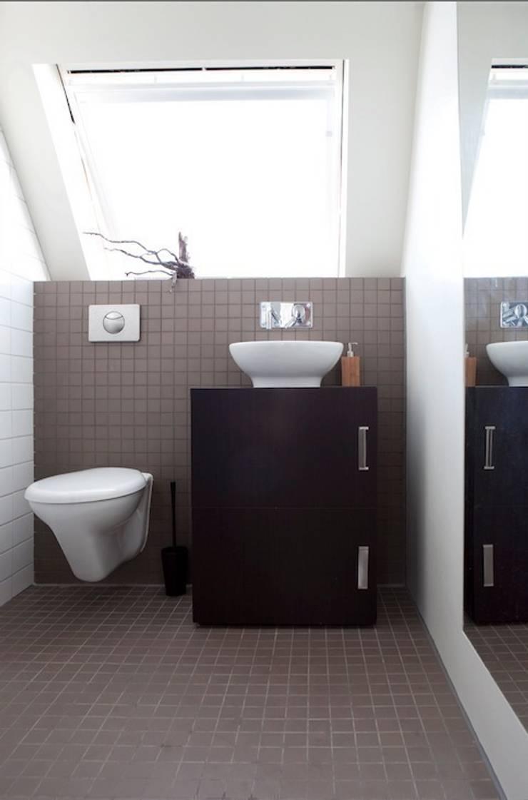 badkamer:  Badkamer door ontwerpplek, interieurarchitectuur, Modern