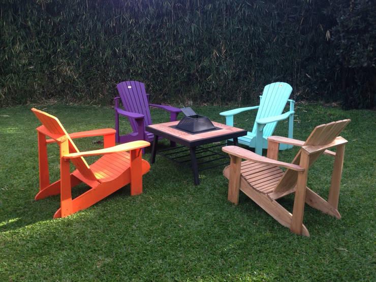 Mesa Malibu Mundo garden ®: Balcones y terrazas de estilo  por Mundo Garden
