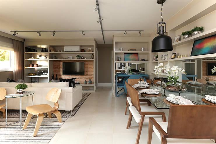 Salle à manger moderne par SESSO & DALANEZI Moderne