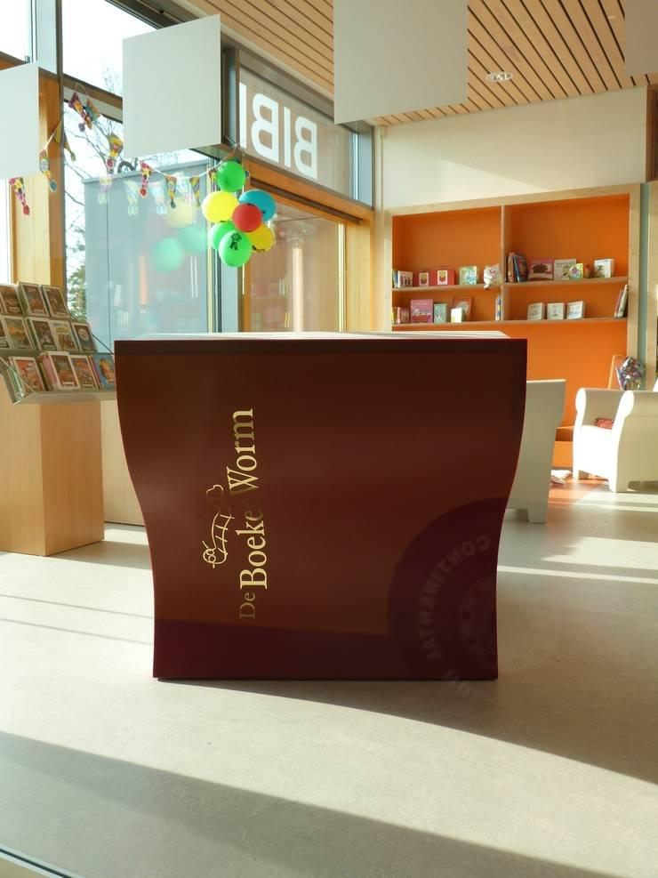 Het boek:  Scholen door Delgadodesign