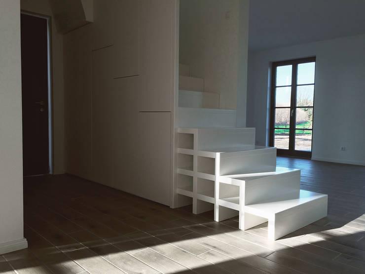 Treppe:  Flur, Diele & Treppenhaus von GOLDBODEN