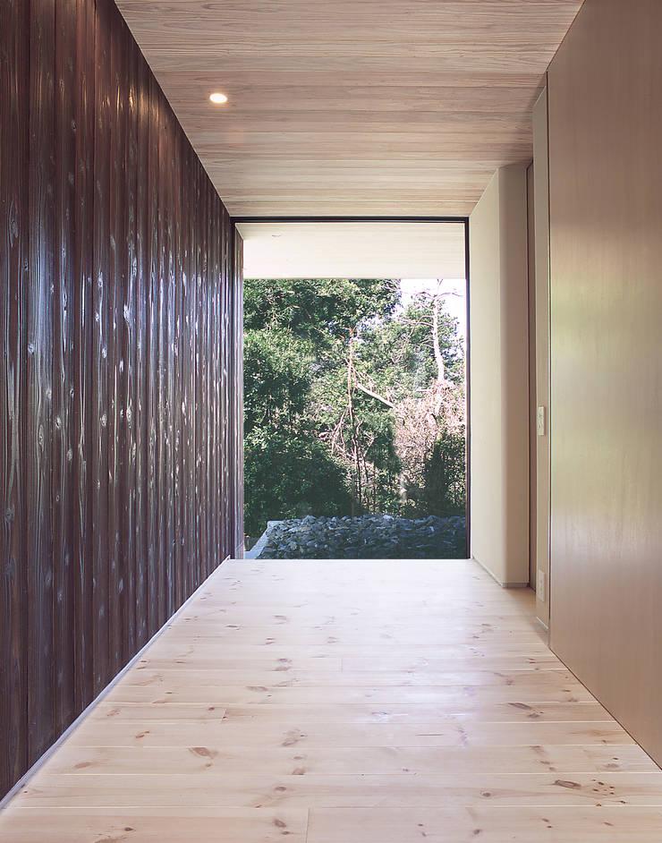 House K モダンスタイルの 玄関&廊下&階段 の 末永幸太建築設計 KOTA SUENAGA ARCHITECTS モダン