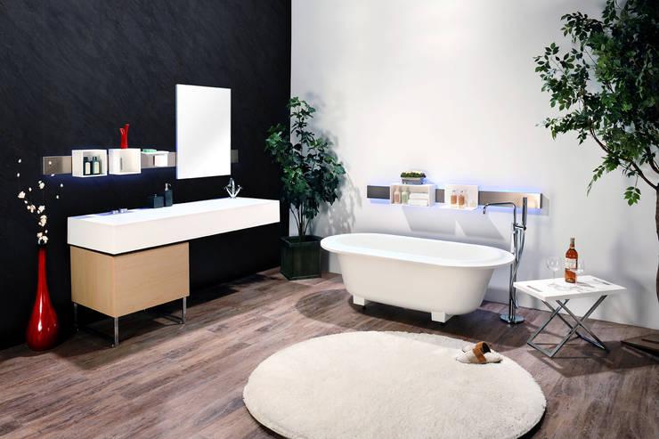 마이 화이트: Saturnbath의  욕실