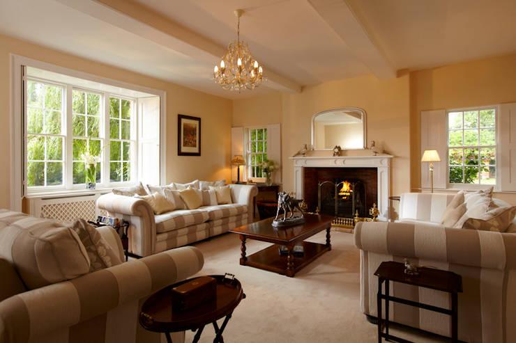 Georgian Farmhouse: country Living room by Etons of Bath