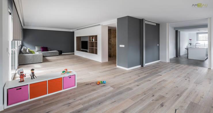 ZONA ESTAR: Salones de estilo minimalista de ambau taller d´arquitectes
