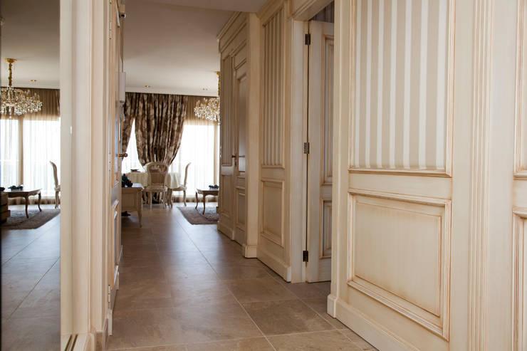 Sandra Libert Pasillos, vestíbulos y escaleras de estilo mediterráneo de Emalia Home Design Mediterráneo