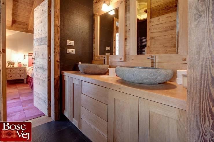 Casas de banho  por Bosc Vej s.r.l.