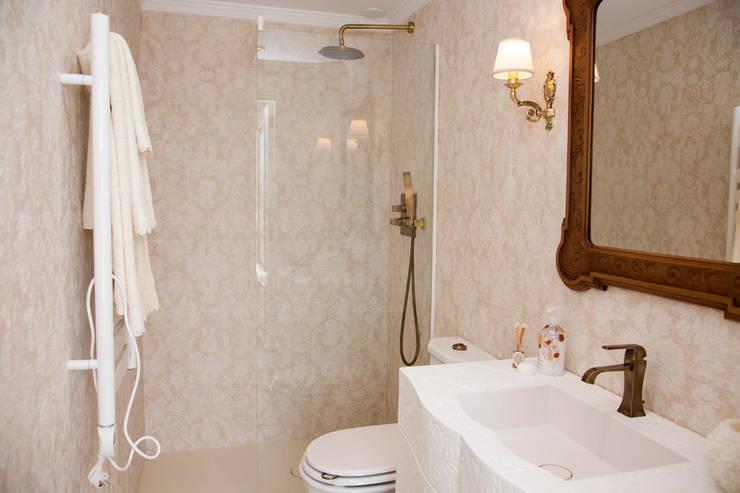 Baño de invitados Baños de estilo mediterráneo de Emalia Home Design Mediterráneo